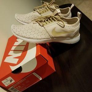 Women's Nike Juvenate